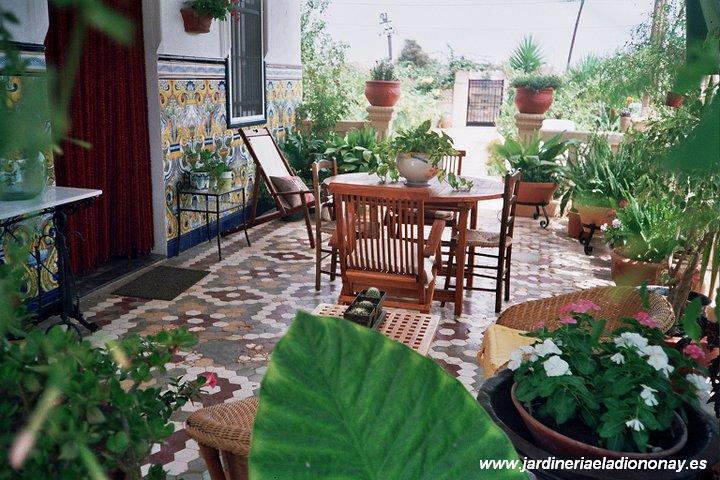 Decoraci n de patios y terrazas paperblog for Patios andaluces decoracion