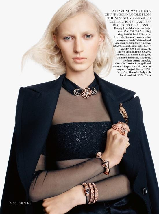Editorial - Vogue UK Julio 2013 con Julia Nobis.
