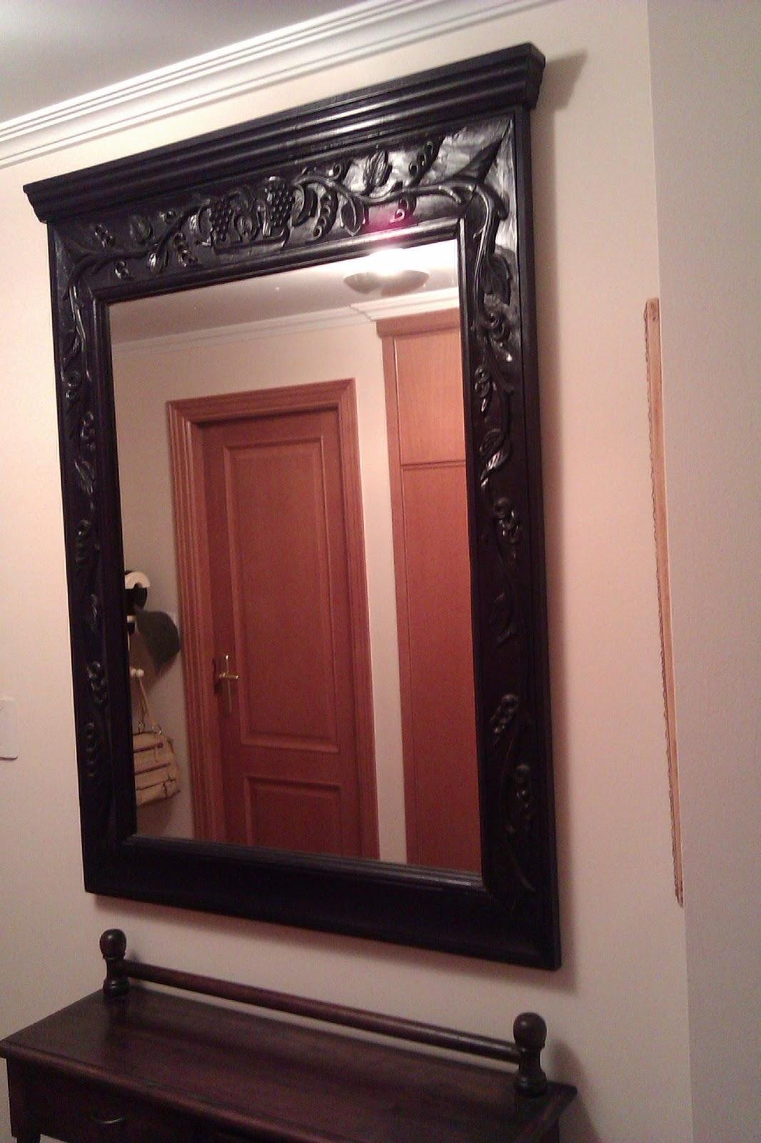 Renovando un espejo r stico en madera con relieve paperblog for Marcos para espejos grandes modernos