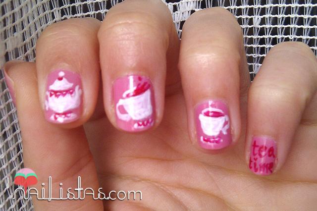 Tea Time Manicure // Uñas decoradas con tazas de té por Lara Pintos ...