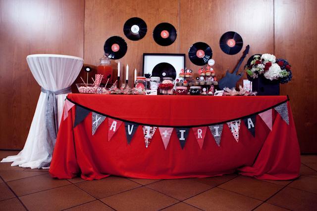 Matrimonio Tema Rock And Roll : La boda de xi una mesa dulces con mucho rock and roll