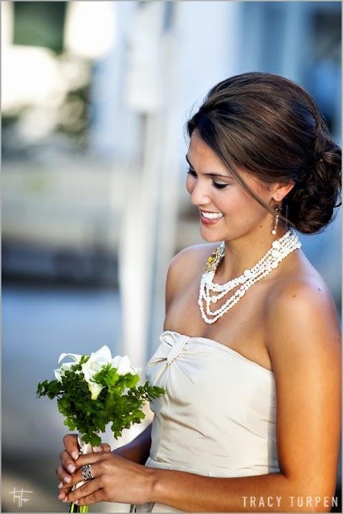 гладкая прическа на свадьбу