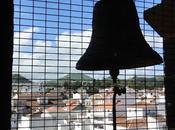 Torre sineira, música, autoridades, turistas santo cris...