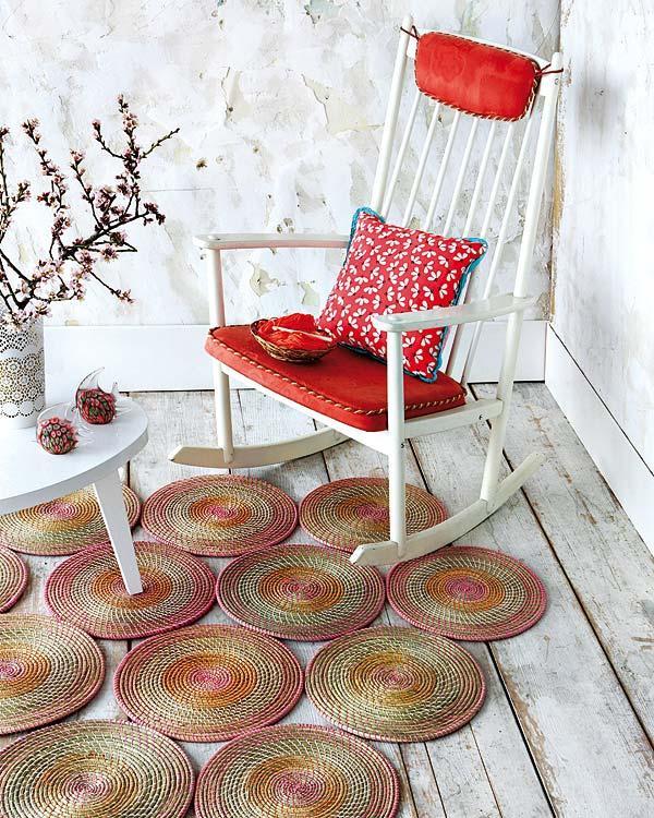 Una alfombra artesanal con salvamanteles de ratan paperblog - Alfombra roja ikea ...