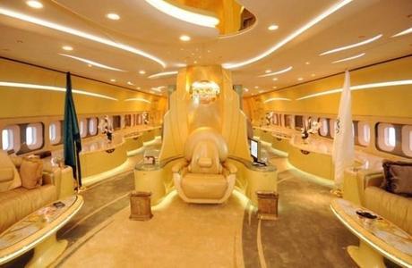 Boeing 747: $220 Millones - Dueño: Principe Al-Waleed bin Talal