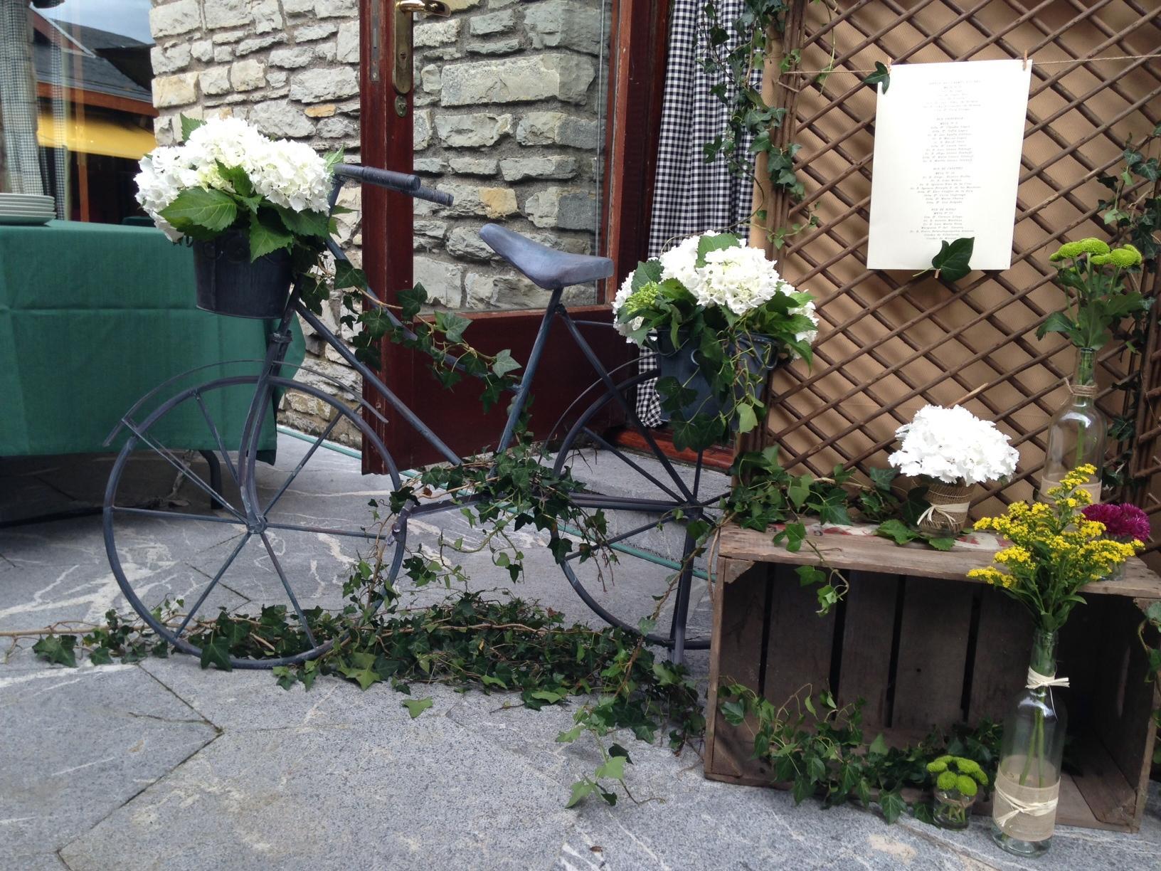 Rincones especiales para vuestra boda paperblog for Adornos para jardines rusticos