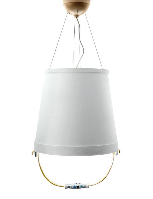 bucket lamp moooi 6 Lámparas que No lo parecen   Objetos Cotidianos Hechos Luz