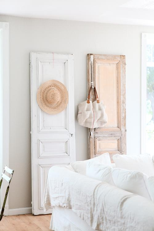 decorar con antiguas puertas y contraventanas paperblog