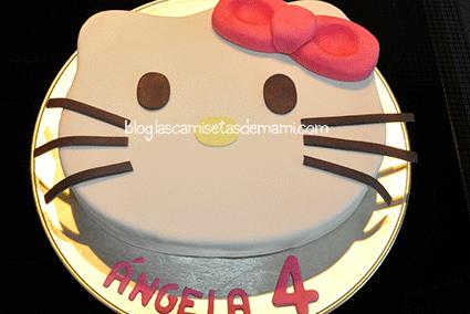 tarta hello kitty 2 Como hacer una tarta de Hello Kitty paso a paso