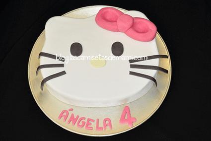 tarta hello kitty 1 Como hacer una tarta de Hello Kitty paso a paso