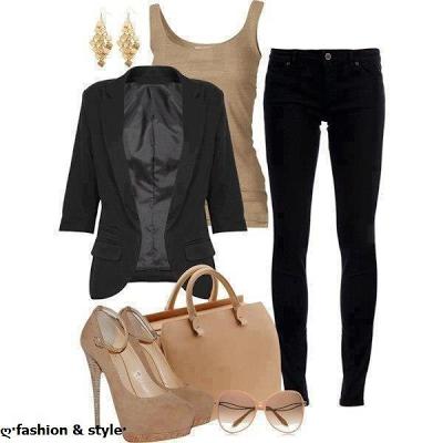 3f53044f0 Es un conjunto mas elegante en el que destaca el dorado el la camiseta de  tirantes y tacones más complementos y el negro en los pantalones y  americana.