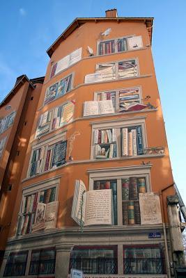La biblioteca de la ciudad en Lyon, Francia