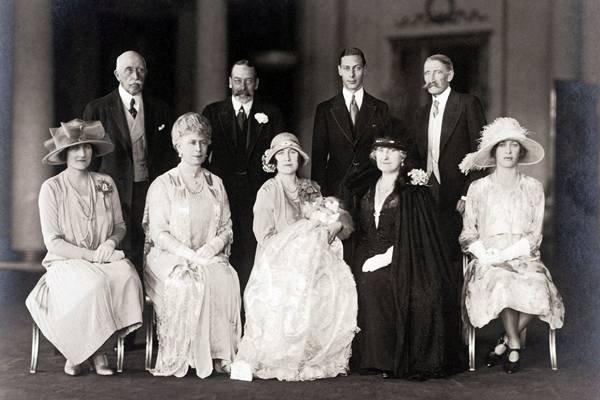 La realeza desnuda- LA FAMILIA REAL DE INGLATERRA