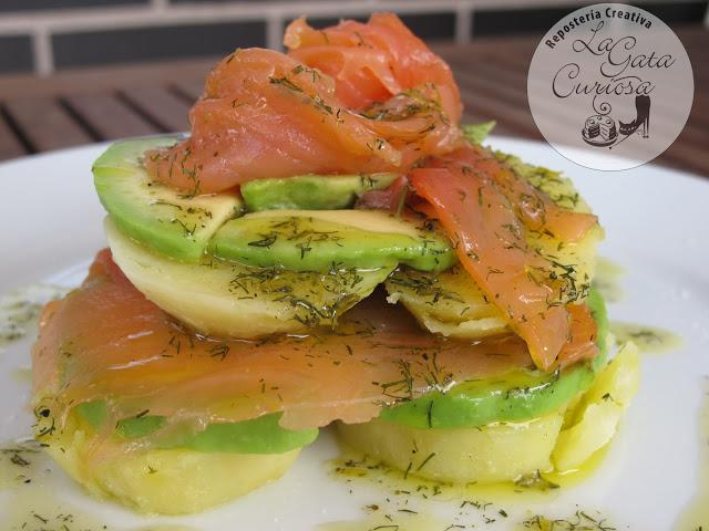 Ensalada de patatas aguacate y salmon con salsa de lim n paperblog - Ensalada con salmon y aguacate ...