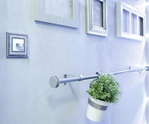 Ikea hack barra de cortina y escurrecubiertos para las - Soporte cortina ikea ...