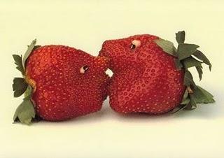 [Image: tallados-fresas-salvajes-L-1.jpeg]
