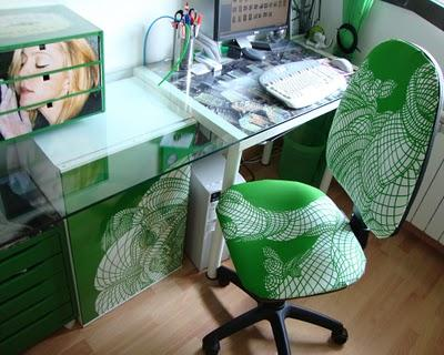 La mesa escritorio del despacho de rafa paperblog for Mesa cristal ikea escritorio