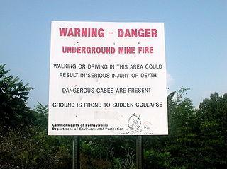 Señal de advertencia sobre el peligro del lugar. Foto: Wikipedia
