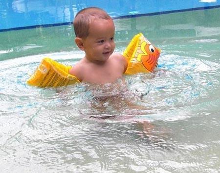 Puede un reci n nacido ba arse en la piscina paperblog for Cuando abren las piscinas