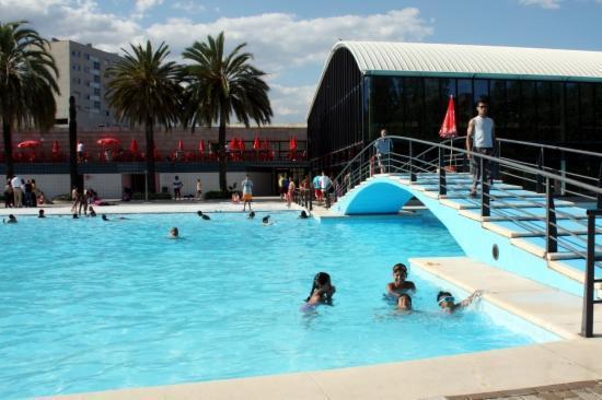 Las mejores piscinas para refrescarse en barcelona paperblog for Piscina sant andreu