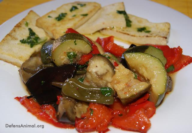 Verduras al horno con tofu y salsa verde paperblog - Salsa para verduras al horno ...