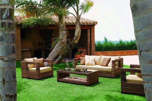 Garden deco inspiration terrazas jardines y balcones - Decoracion en jardines ...