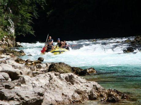 Haciendo rafting con mis amigos en el Neretva, cuando vivía en Sarajevo.
