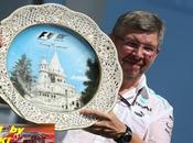 Mercedes confia mejoras