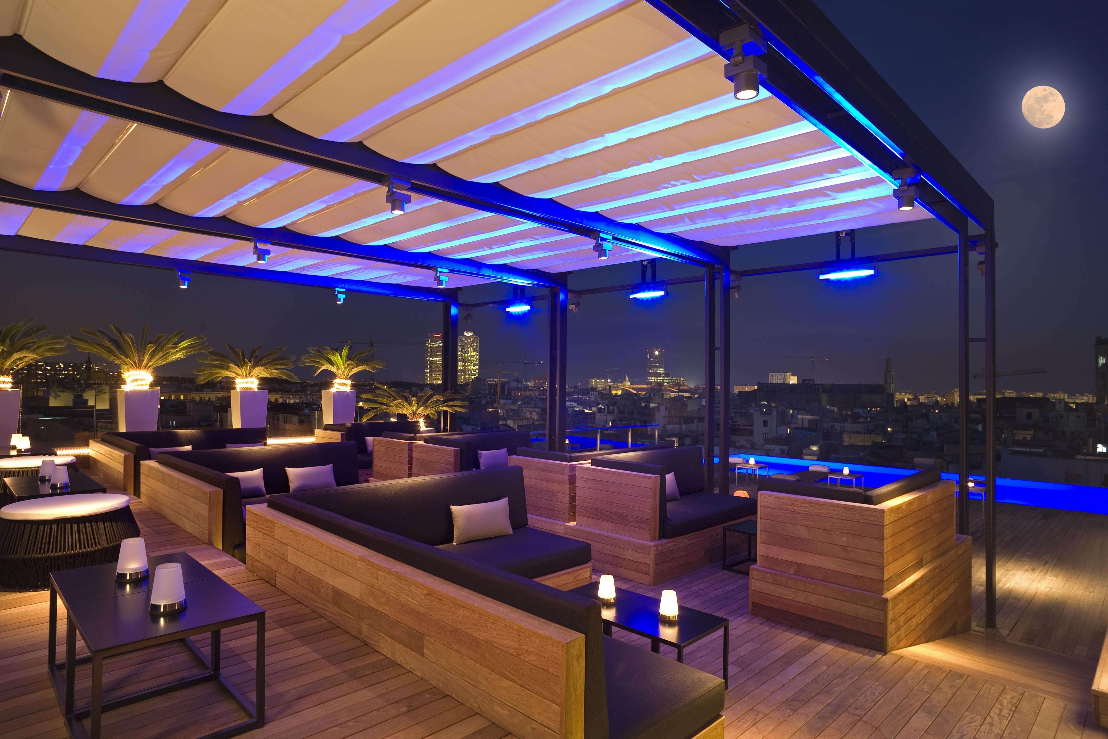 Especial terrazas oasis de relax paperblog for Decoracion bares modernos