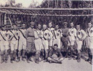 Polish_Legionists_playing_soccer_(1914-1918)