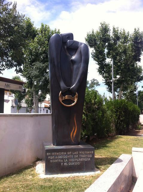 Monumento a las v ctimas de los accidentes de tr fico - Jefatura provincial de trafico madrid ...