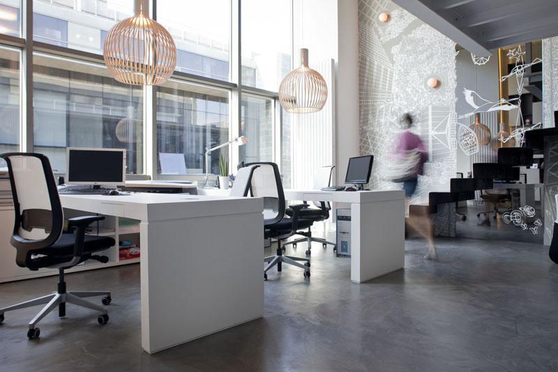 Loft 20 un despacho con mucha luz y amplitud paperblog for Oficinas y despachos madrid
