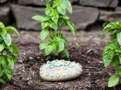 Piedras pintadas mano para jardín