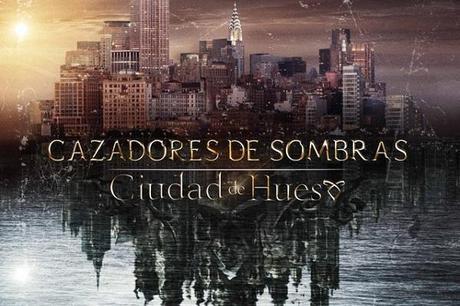 Poster cartel cazadores de sombras ciudad de hueso aurum pelicula cassandra clare Crítica Cazadores de Sombras: Ciudad de Hueso