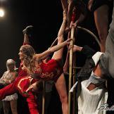 A falta de pan, circo. The Hotel, Teatro Nuevo Apolo