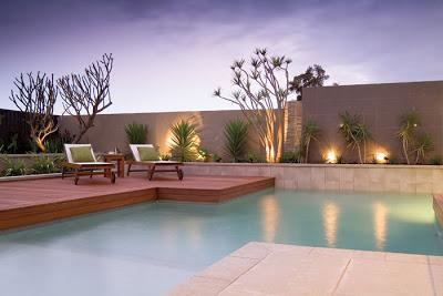 Piscinas de formas modernas paperblog for Formas de piscinas