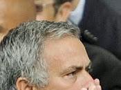 """Mourinho: """"Torres sólo vale mitad"""""""