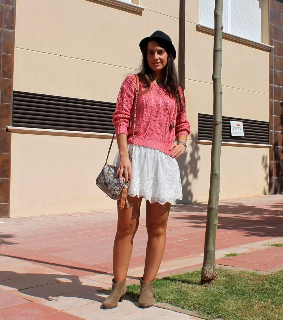 Playing with fashion: White lace skirt III...