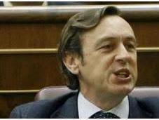 """diputado Hernando, asegura bandera tricolor igual """"inconstitucional"""" franquista"""