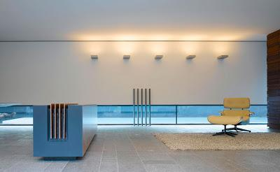 Casa minimalista de 2 pisos paperblog for Pisos para casas minimalistas