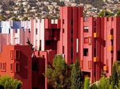 Muralla Roja Bofill cumple años