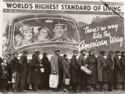 "Margaret Bourke-White ""Bread Line during the Louisville flood"", Kentucky, 1937 (creartehistoria)"
