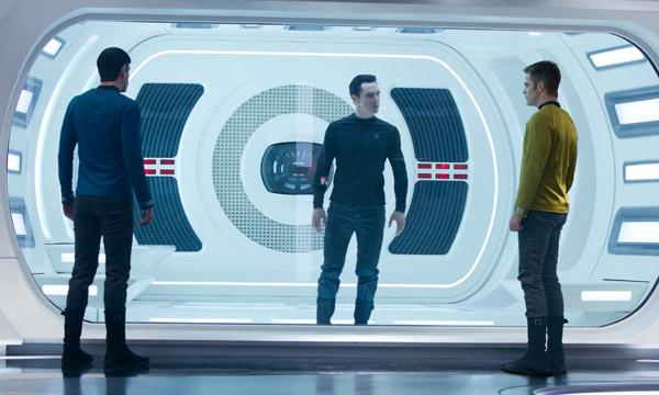 STAR TREK: EN LA OSCURIDAD (Star Trek: Into darkness)