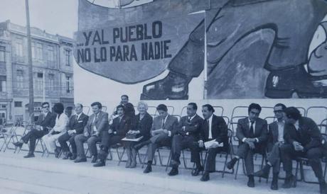 A 40 AÑOS, VISIBILIZANDO PÉRDIDAS.. Las fotos de la UP que sobrevivieron ocultas bajo tierra
