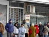 Treintiún parados menos, prestamista, cornada olímpica activista encaramado farola Puerta