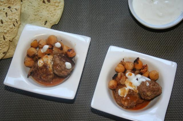 CURRY ROJO DE ALBÓNDIGAS Y GARBANZOS