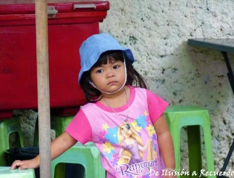 Niña en Bangkok