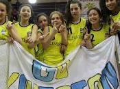 Kingston college gritó campeón ante público elbásquetbol femenino