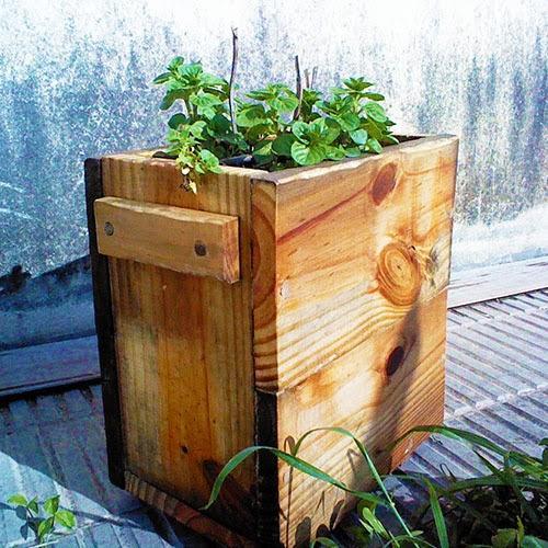 Jardineras y maceteros de madera para el exterior paperblog - Jardineras de madera ikea ...