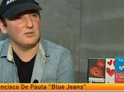 Blue Jeans habla para Antena novelas género durante LIBER